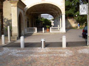 Pillar afsluiting voetgangersgebied